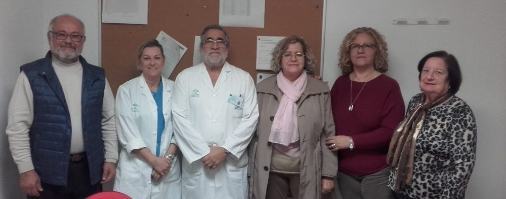 visita ACAP a laboratorio Hospital de Puerto Real